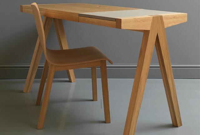Минималистичный современный письменный стол