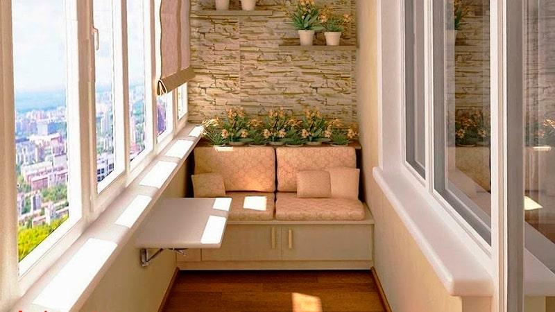 Небольшой диванчик для балкона