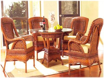 Необычные круглые большие стулья