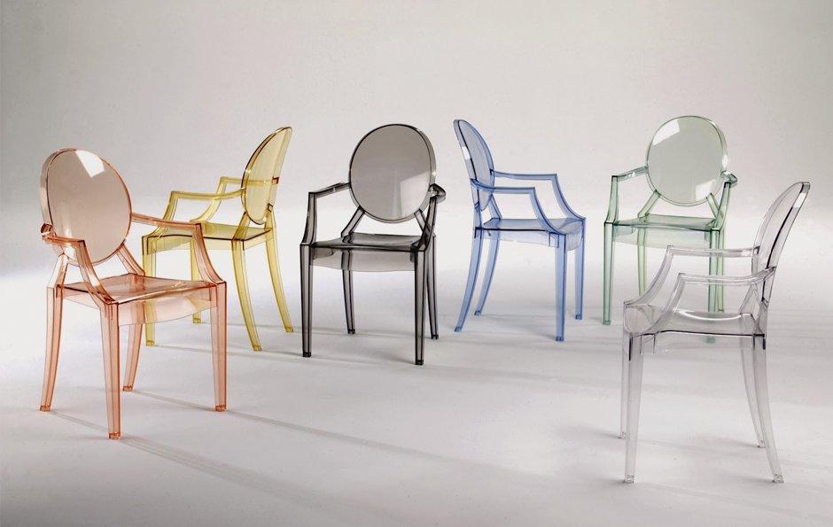 Необычные стулья из пластика