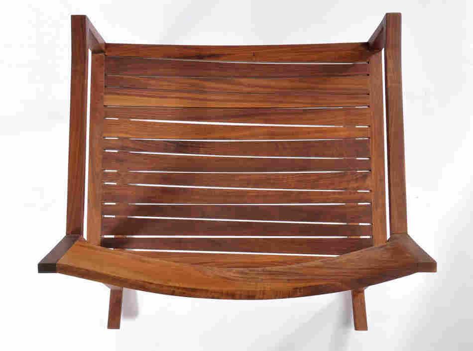 Низкий стул для оригинального интерьера
