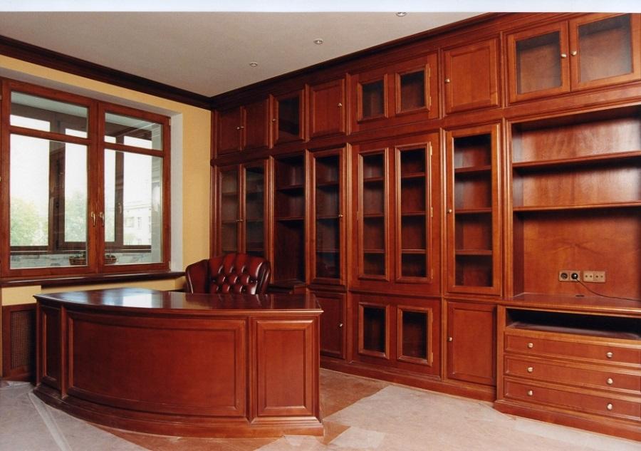 Офисный шкаф из натурального массива дерева