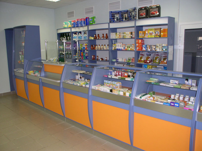 Оранжево-голубое оформление торгового павильона