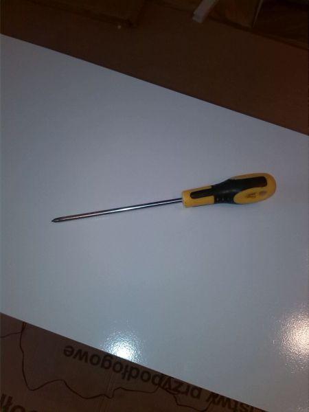 Инструмент отвертка