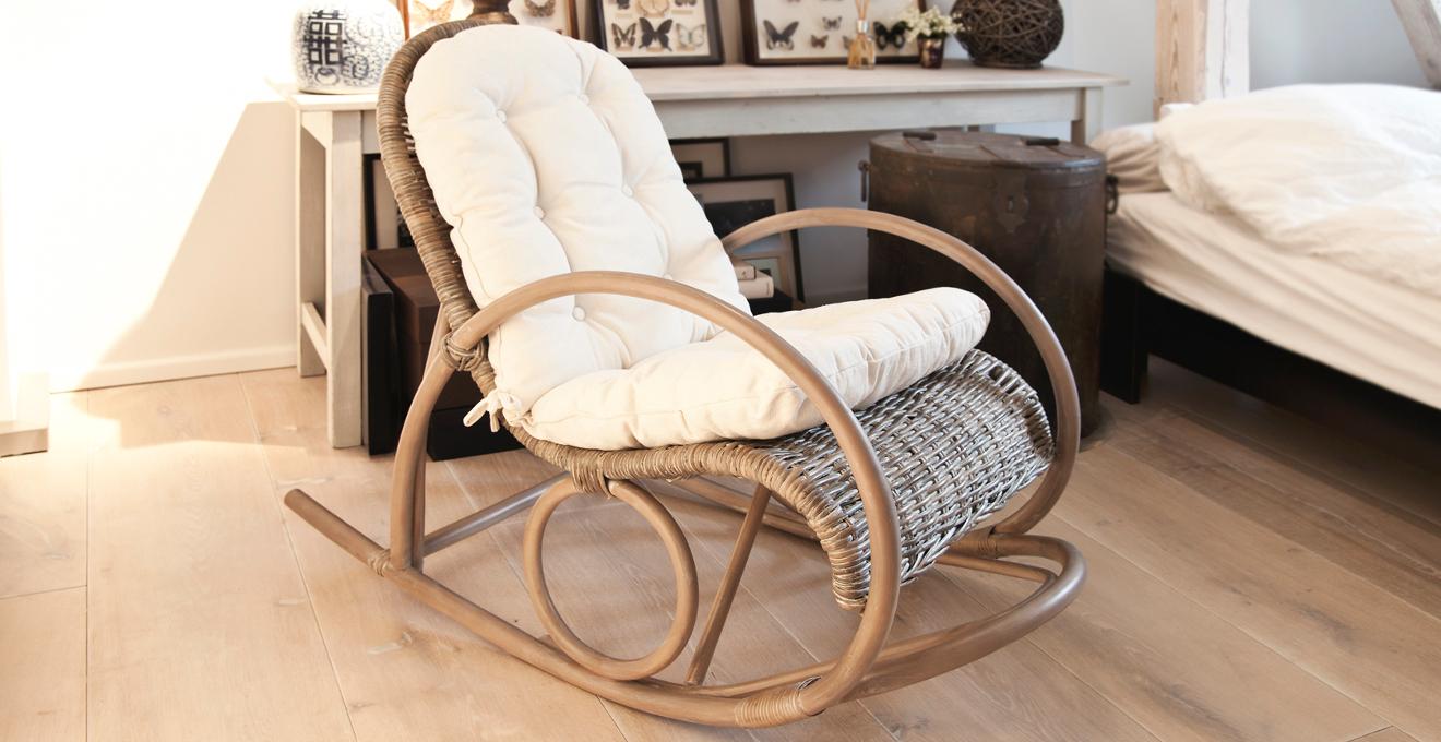 Плетеная современная мебель