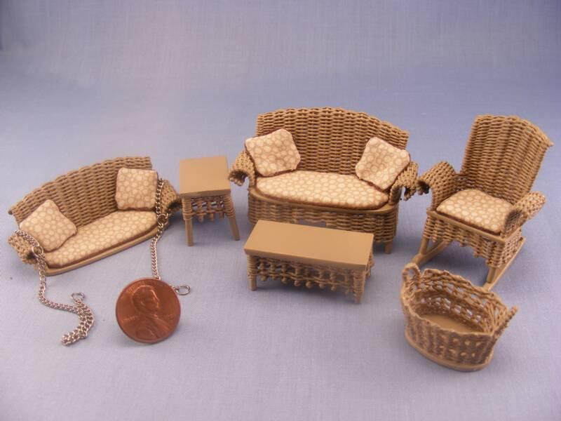 Плетеные кресла для кукол