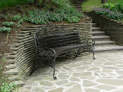 Полукруглая скамейка