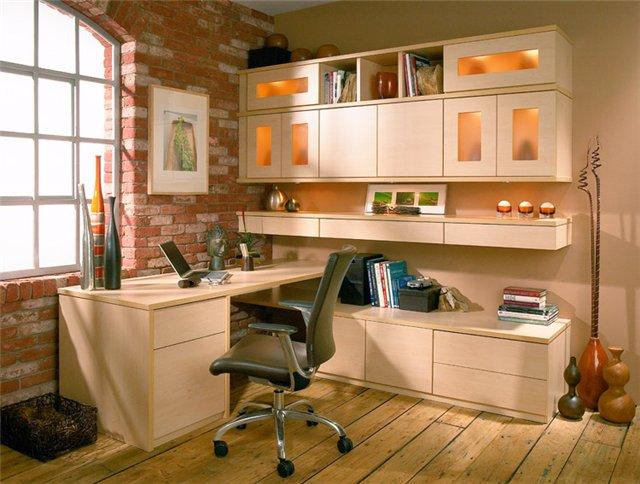 Практичные стеллажи и шкафы