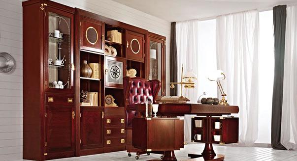 Практичный деревянный шкаф