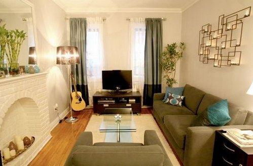 Простая гостиная с приятным интерьером