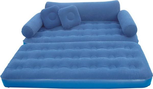 Просторная кровать для гостей