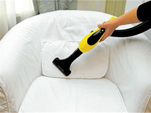 Пылесосим кожаный диван