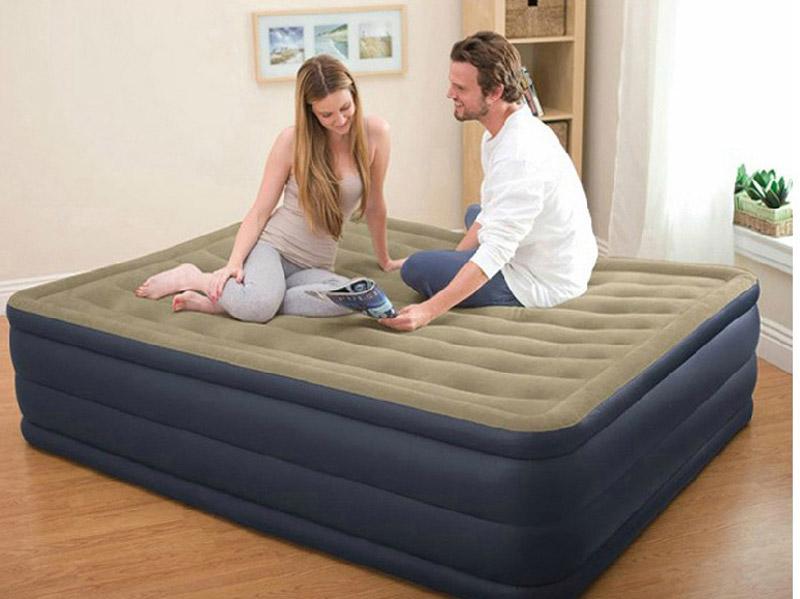 Раскладывающаяся практичная кровать