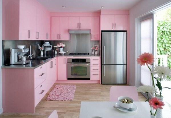 Розовые оттенки интерьера на кухне