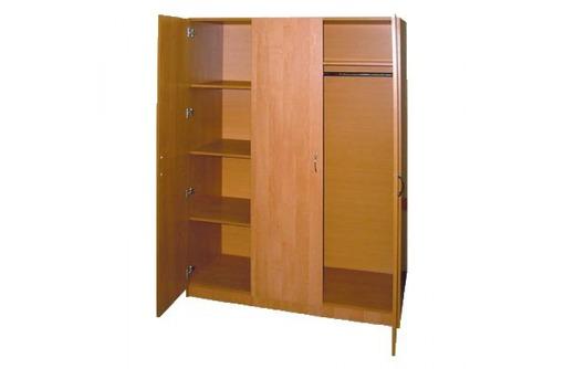 Шкаф ДСП для одежды трехстворчатый