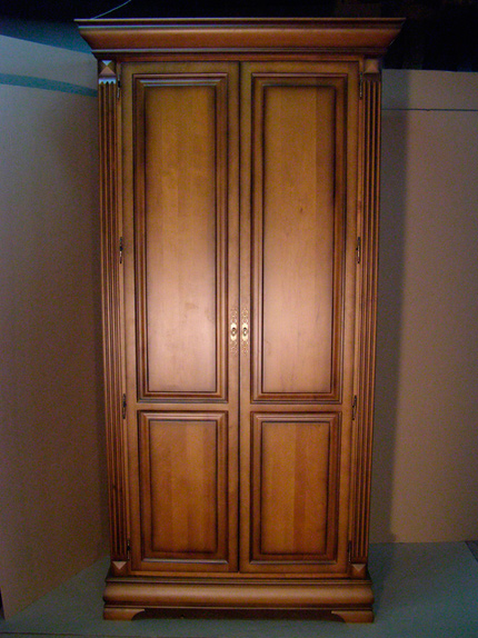 Шкаф массив дерева+шпон