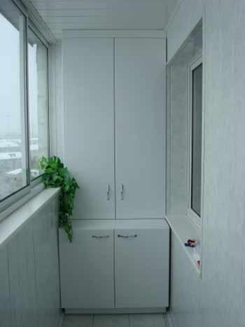 Шкаф пластиковый на балкон и для лоджии