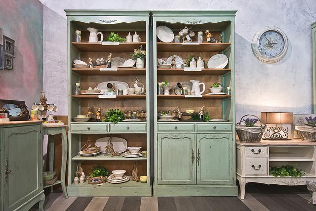 Шкаф прованс в кухне