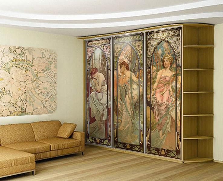 Шкаф с фресками