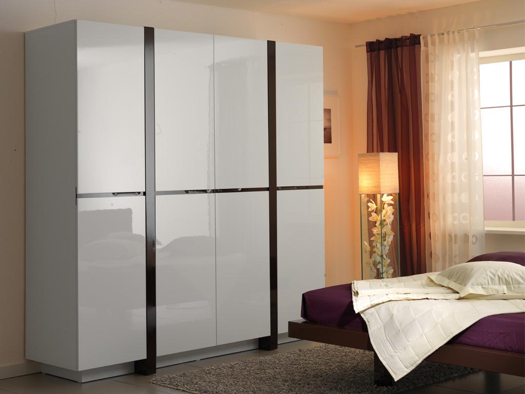 Шкаф распашной белый, особенности и полезные советы по уходу.