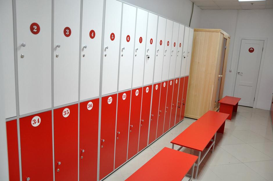 Шкафчики в раздевалку для фитнес клуба