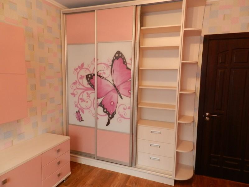 Шкафы для комнаты подростка