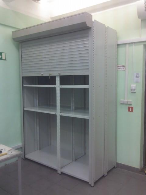 Шкаф с рольставнями