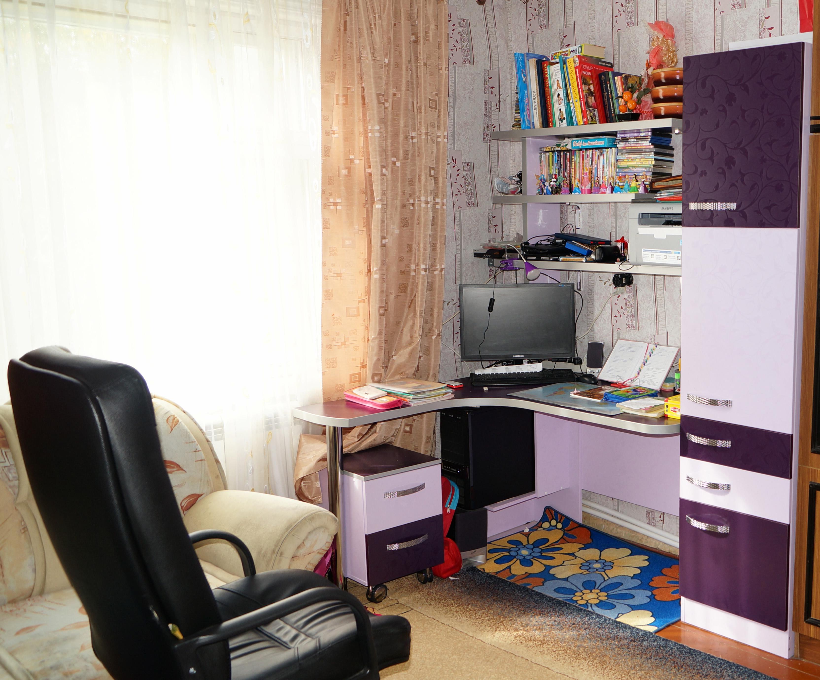 Школьная мебель для дома