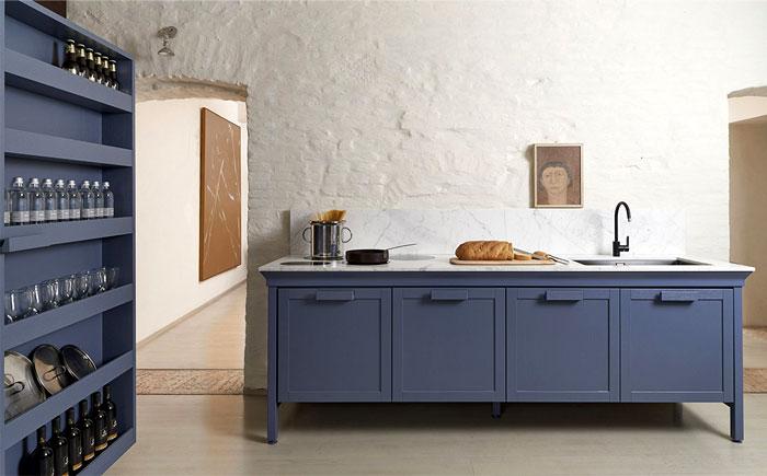 Синие тона будут популярны в оформлении кухни в 2018 году