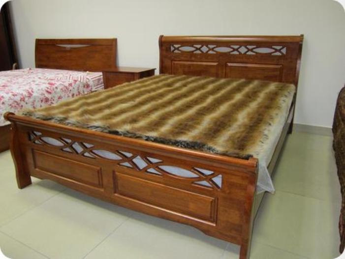 Современная красивая кровать