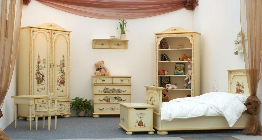 Спальный набор мебели