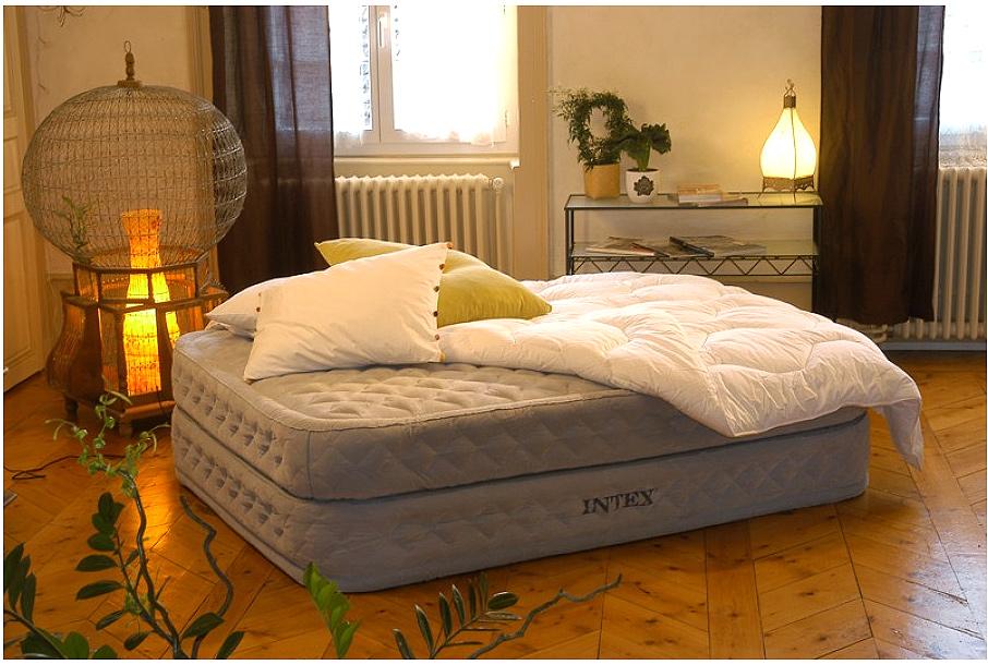 Стоит ли использовать надувную мебель