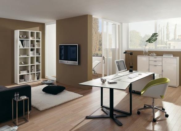 Стол и стул для работы дома