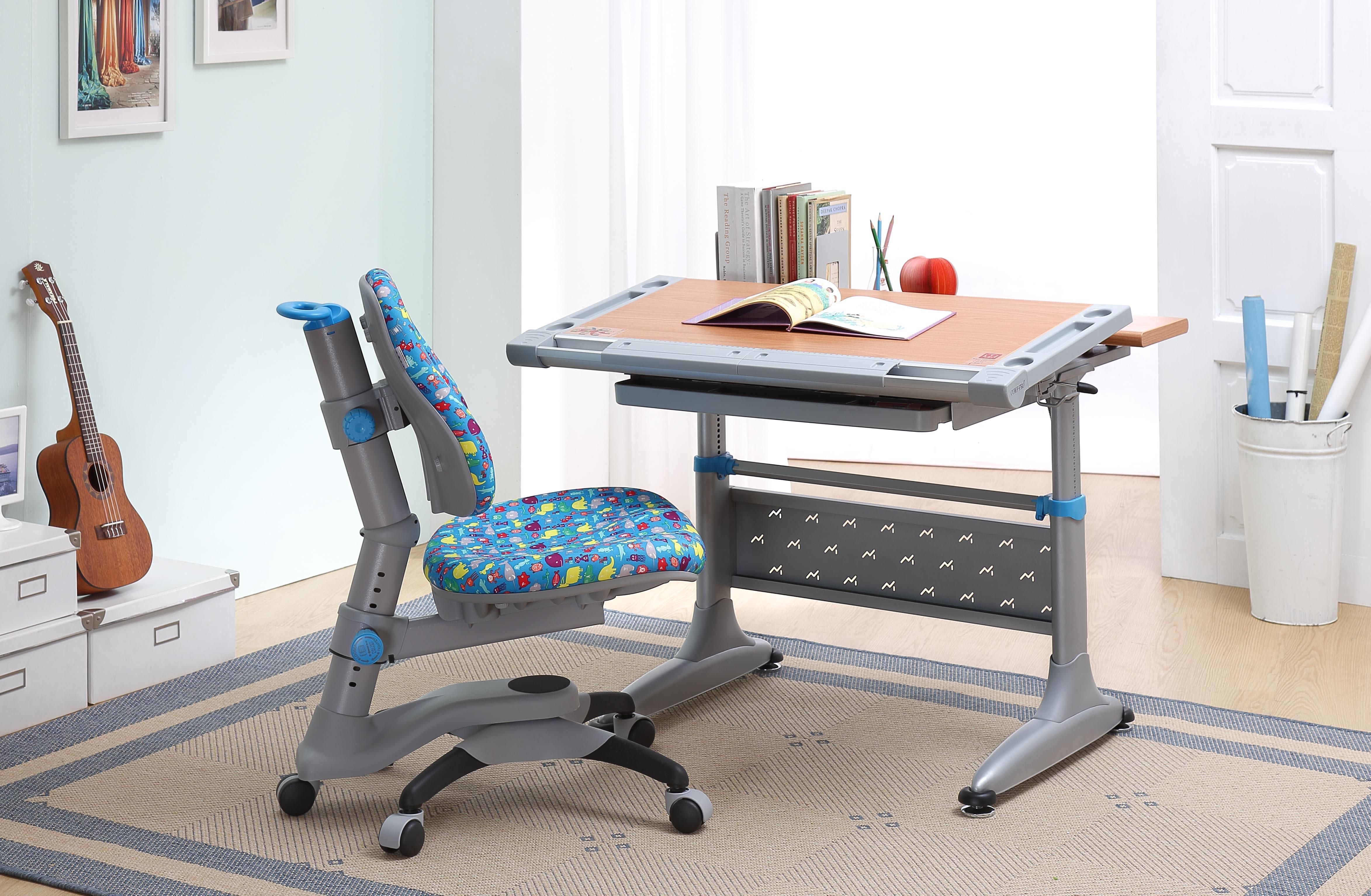 Стол и стул для школьника