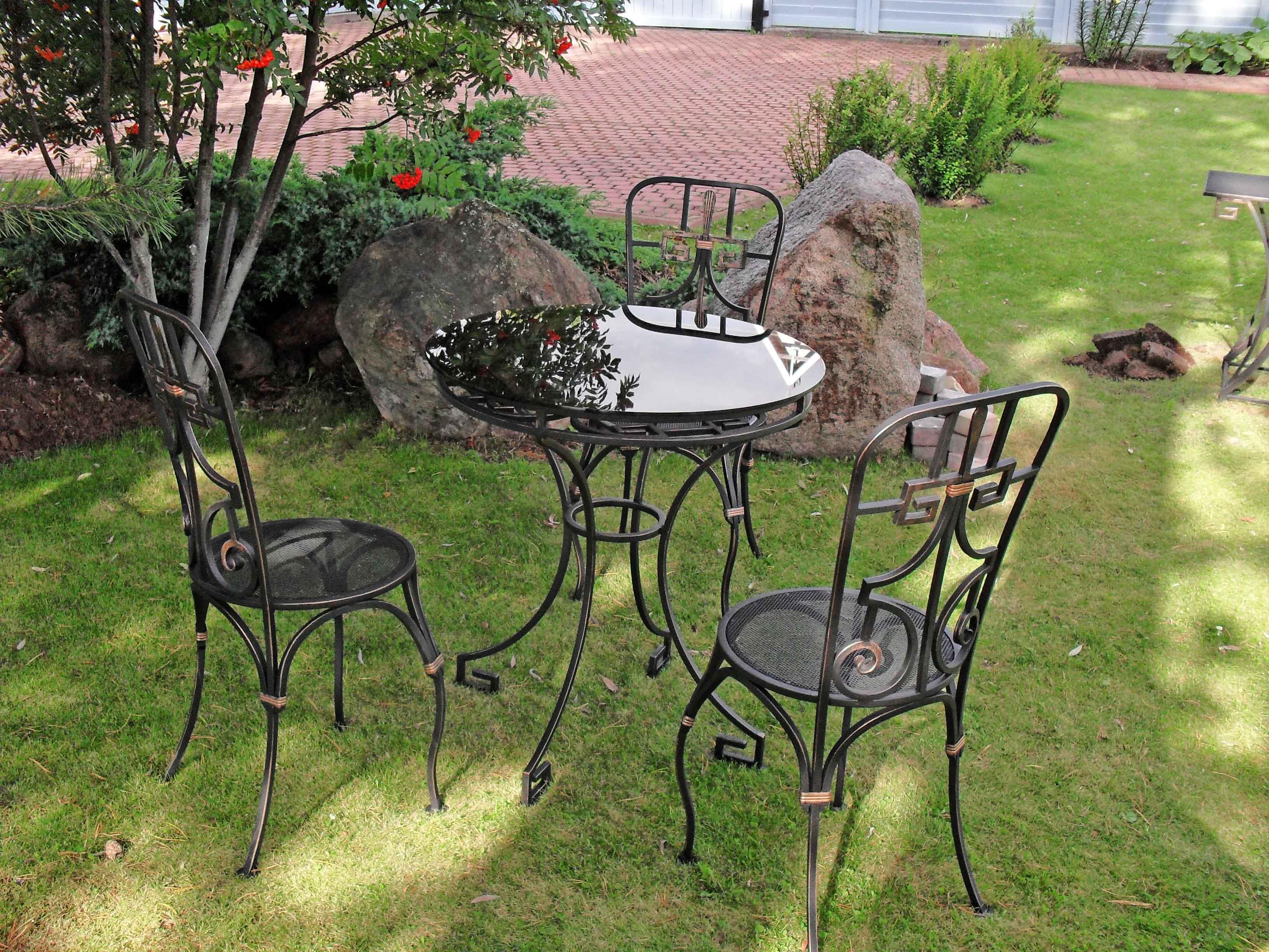 Стол и стулья, садовая мебель