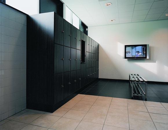 Темные шкафы