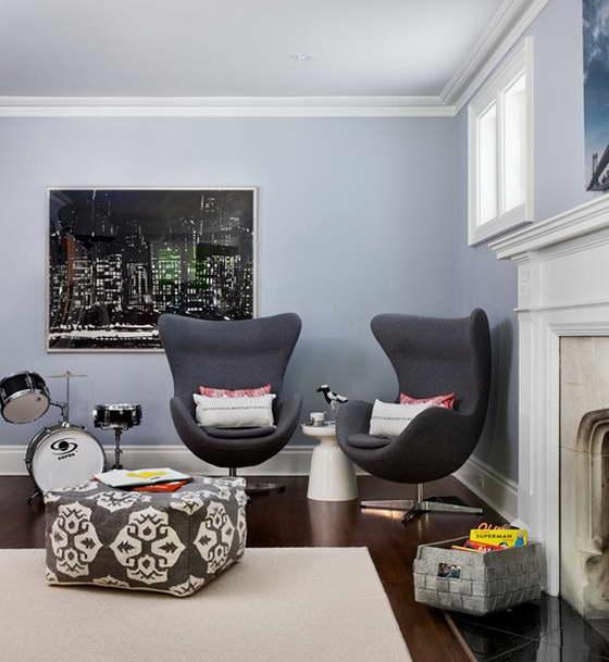 Удобные серые кресла
