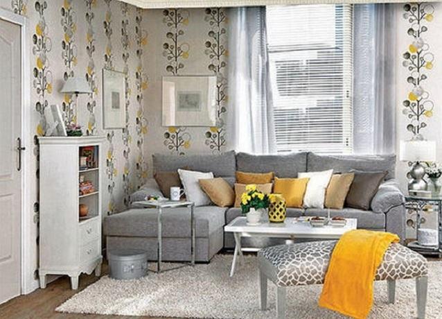 Угловой диван серого цвета