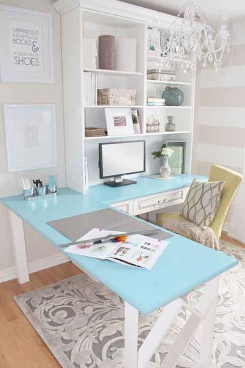 Угловой голубой стол