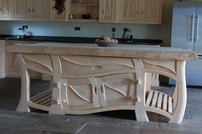 Уникальный стол для кухни