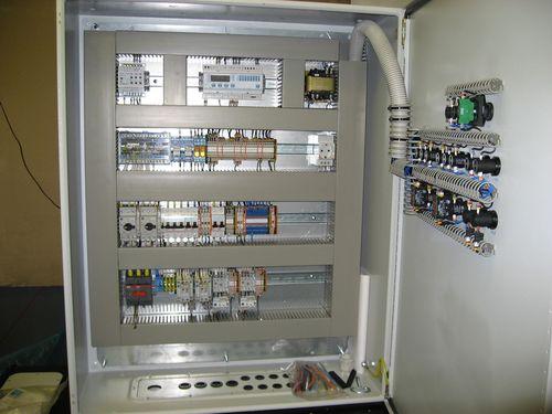 Устройство для регуляции и управления вентиляторами вытяжки и притока воздуха