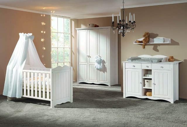 Выбираем мебель для новорожденного