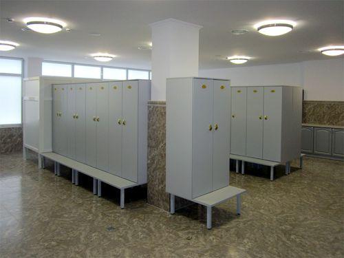 Выбираем шкафы для раздевалки