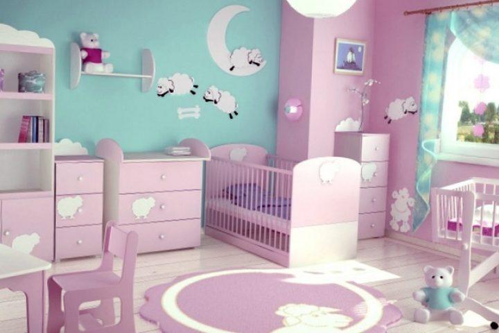 Яркие фиолетовые оттенки комнаты