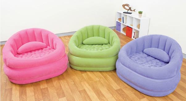 Яркие красивые кресла