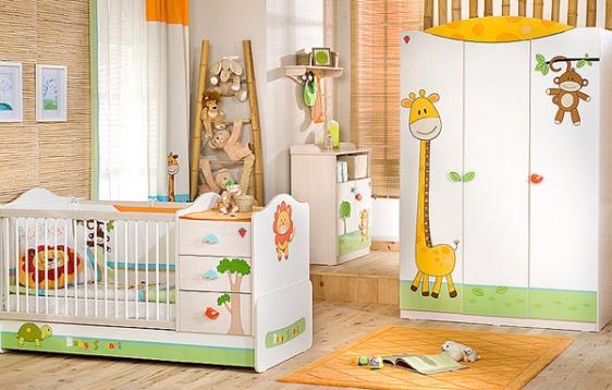 Яркие предметы мебели для ребенка