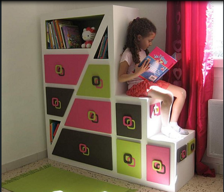 Яркий детский шкаф