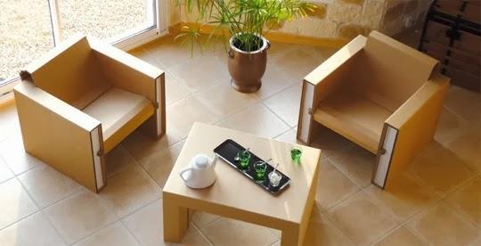 Журнальный столик для гостиной небольшого размера
