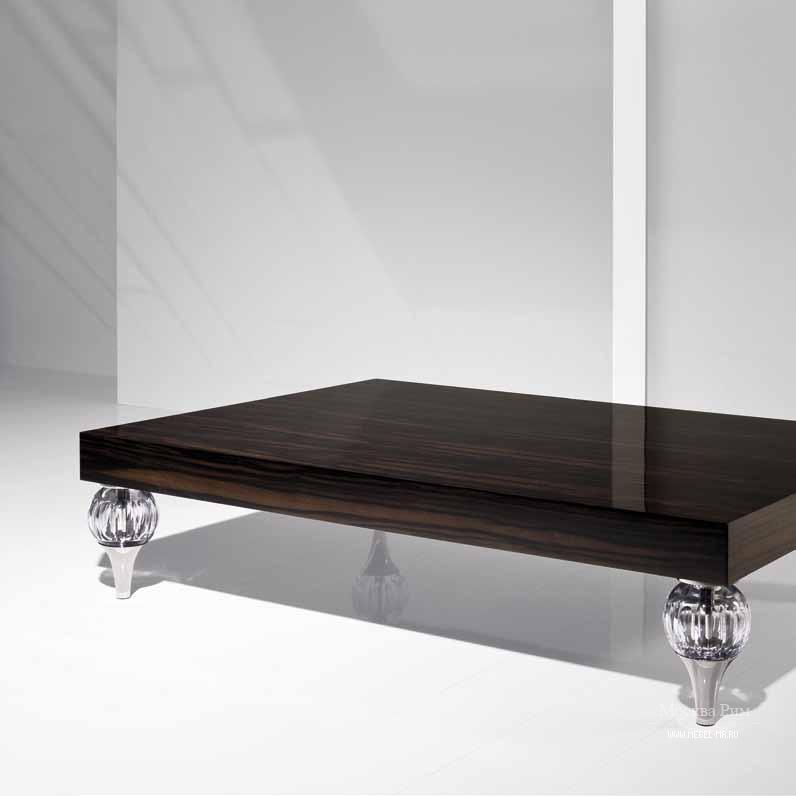 Журнальный столик с низкими ножками