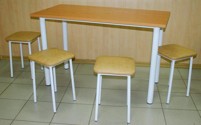 Ассортимент мебели на металлокаркасе